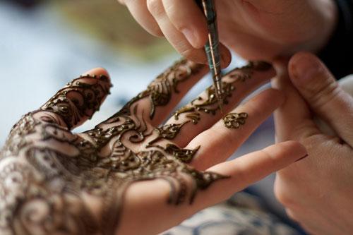 cach-xoa-hinh-xam-henna-2