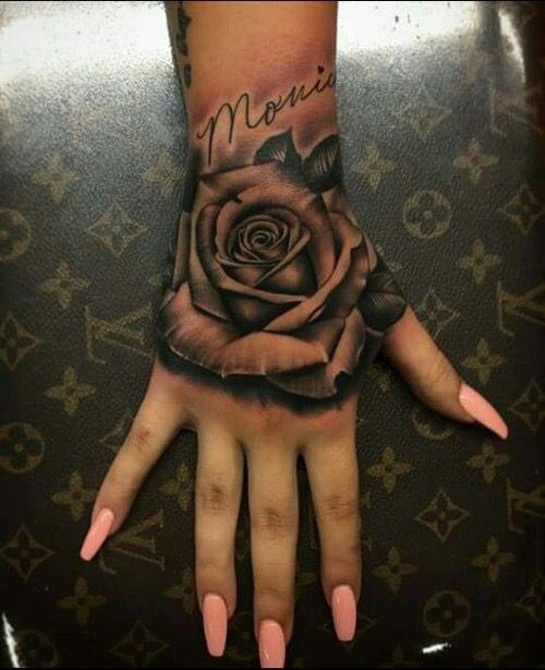 Ý nghĩa hình xăm hoa hồng đen ẩn chứa điều gì 11
