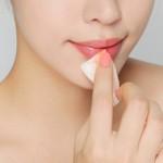 Hướng dẫn 2 cách làm mờ vết xăm môi TẠI NHÀ đơn giản chỉ sau 30′